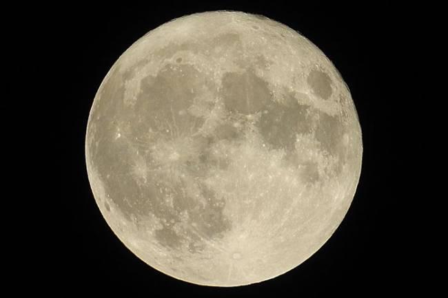 (Literasi Kelas X) Super Worm Moon Akan Datang Mengikuti Ekuinoks Bulan Maret