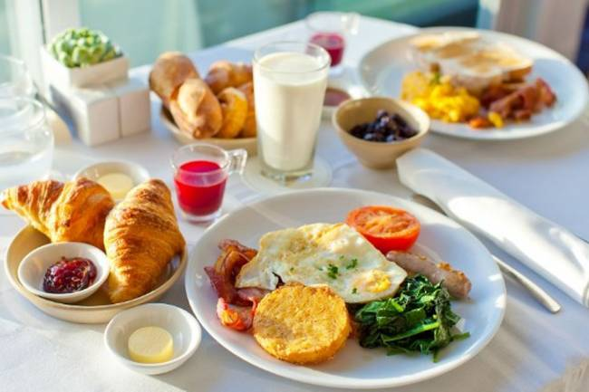 (LITERASI KELAS X) 7 Manfaat Sarapan Pagi Bagi Kesehatan
