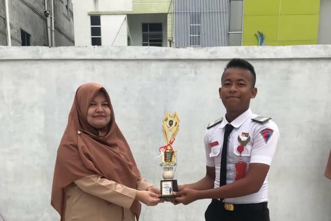 Pemenang Perlombaan 1 Muharram dan foto sosmed Hari batik Nasional Serta penyerahn piala Team Passus