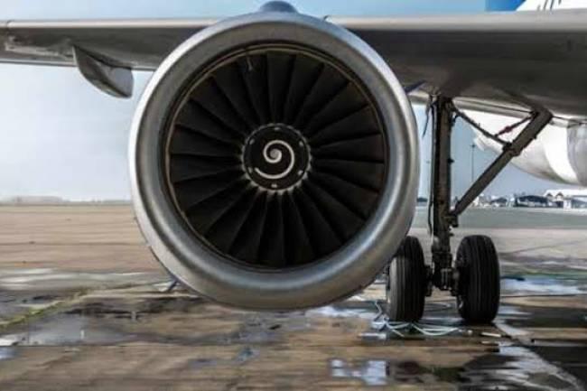 (LITERASI KELAS ) Jet engines