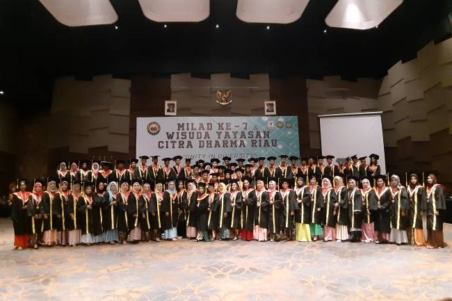 Download Foto & Video Wisuda Yayasan Angkatan 5