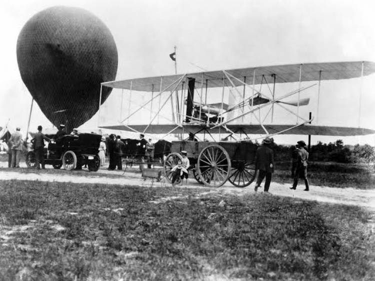 (LITERASI KELAS X) History of aviation