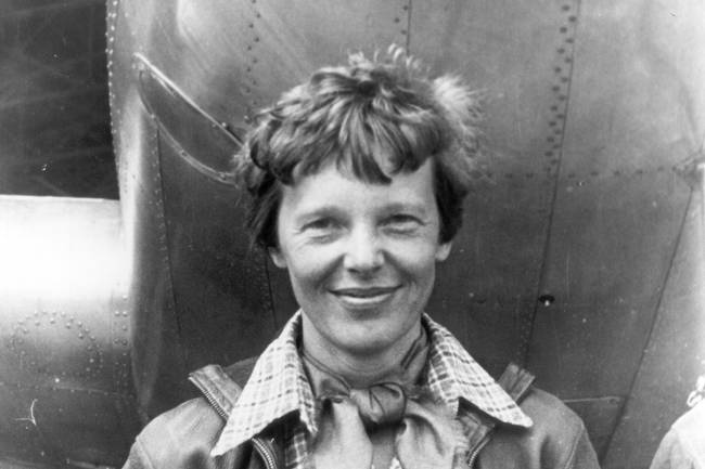 (LITRASI KELAS X)Biografi Amelia Earhart –   Penerbang Wanita Pertama