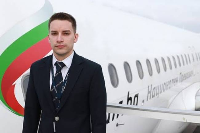 (LITERASI KELAS X) How to Become A Pilot of Airbus A320, The Story of a Young Bulgarian