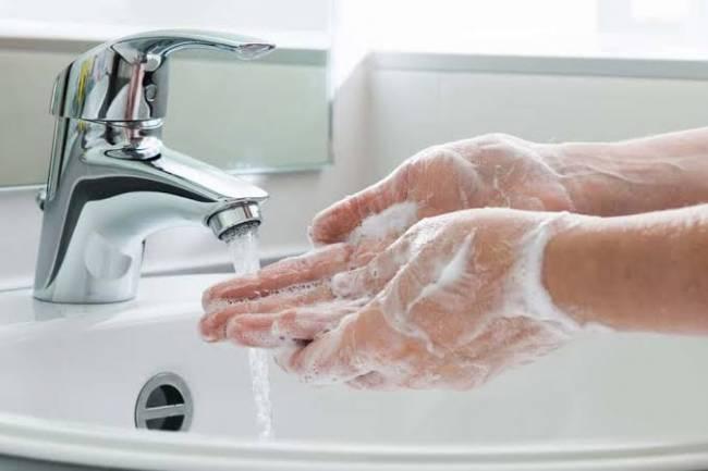 (LITERASI KELAS XI & XII) Manfaat Cuci Tangan Sebelum Makan Bagi Kesehatan Tubuh