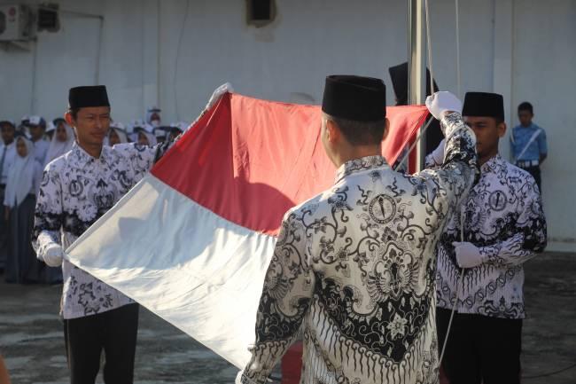 HUT PGRI ke-74 Smk Manajemen Penerbangan , Guru Penggerak Indonesia Maju