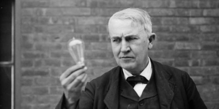 (Literasi Kelas XI) Biografi Tokoh Dunia: Thomas Alva Edison, Penemu dan Pengusaha